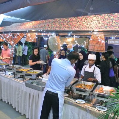 Plenty more dishes here including fried Kuey Teow, ayam masak merah, ikan masak lemak and many more.
